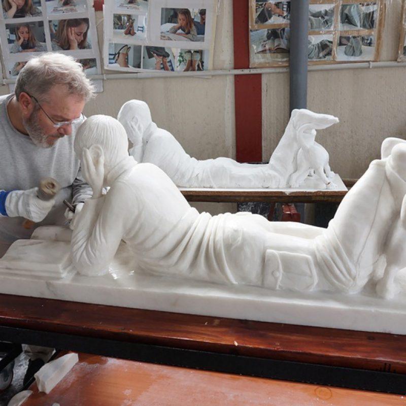 Massive Skulptur nach Kundenzeichnung