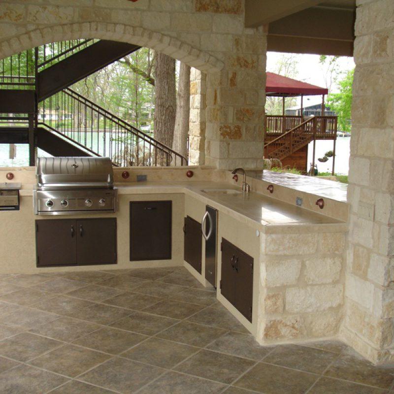 Naturstein für Outdoor-Küche